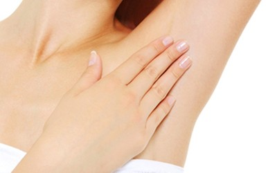 what causes pain in both armpits